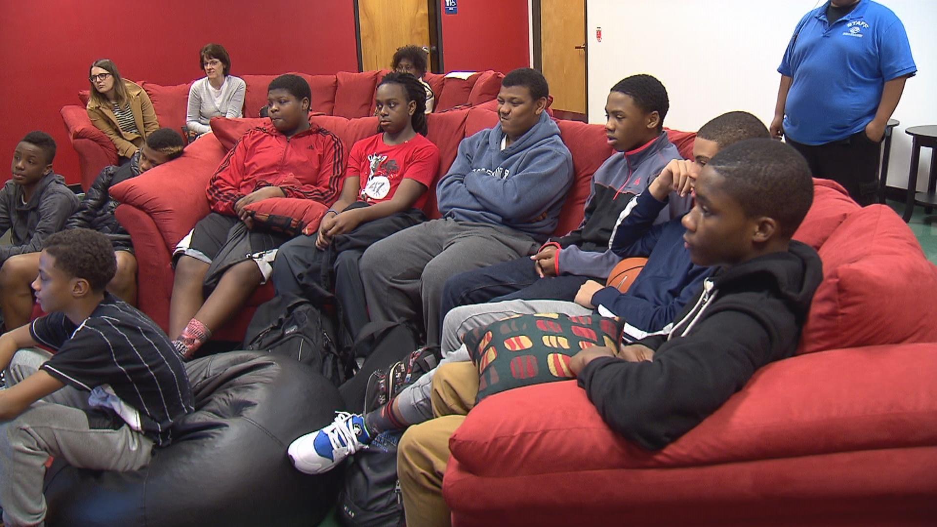 Kids at Portland Boys and Girls Club discuss social media. (KOIN 6 News)