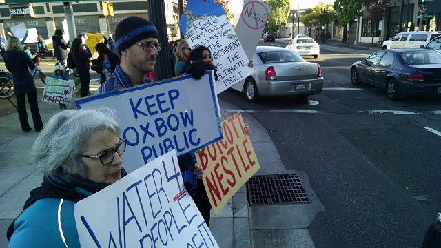 Protest against Nestle water plant, April 16 2015 (KOIN 6)_145485