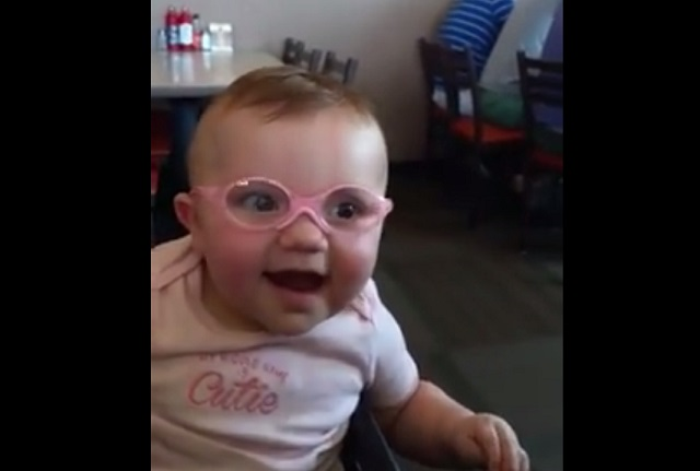 Baby sees clearly_179837