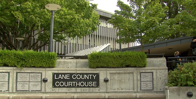 The Lane County Courthouse in Eugene, Sept. 1, 2015 (KOIN)