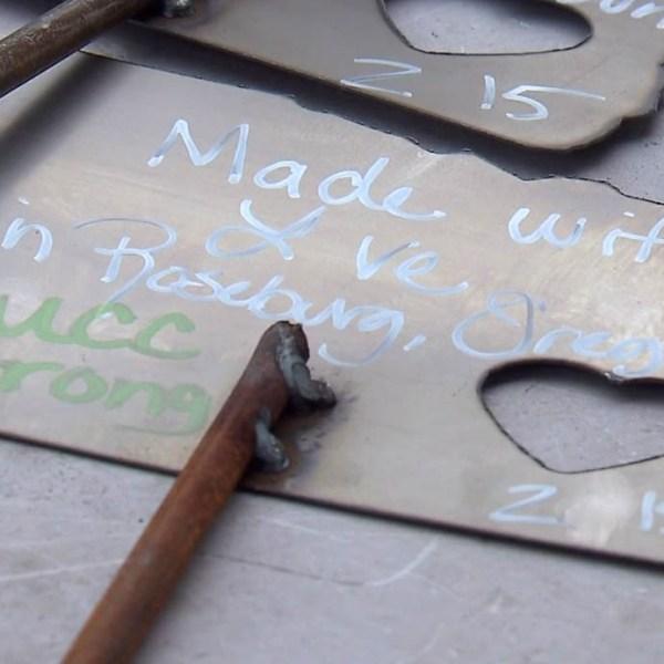 metal roseburg signs thumb_213430