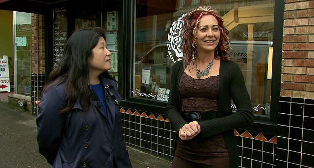 Shanna Arno of Natural Body Works (right) stands with Michelle Moon, whose daughter, Julianna Snow suffers from a disease called Charcot-Marie Tooth (CMT), Nov. 13, 2015 (KOIN)