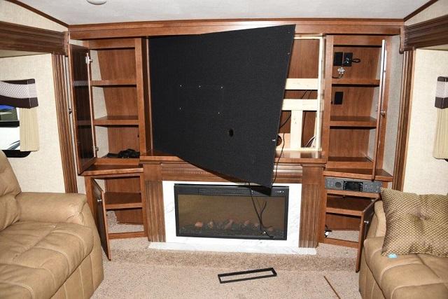 The damage left behind by a burglar at Blue Dog RV, Nov. 5, 2015 (GRESHAM PD)