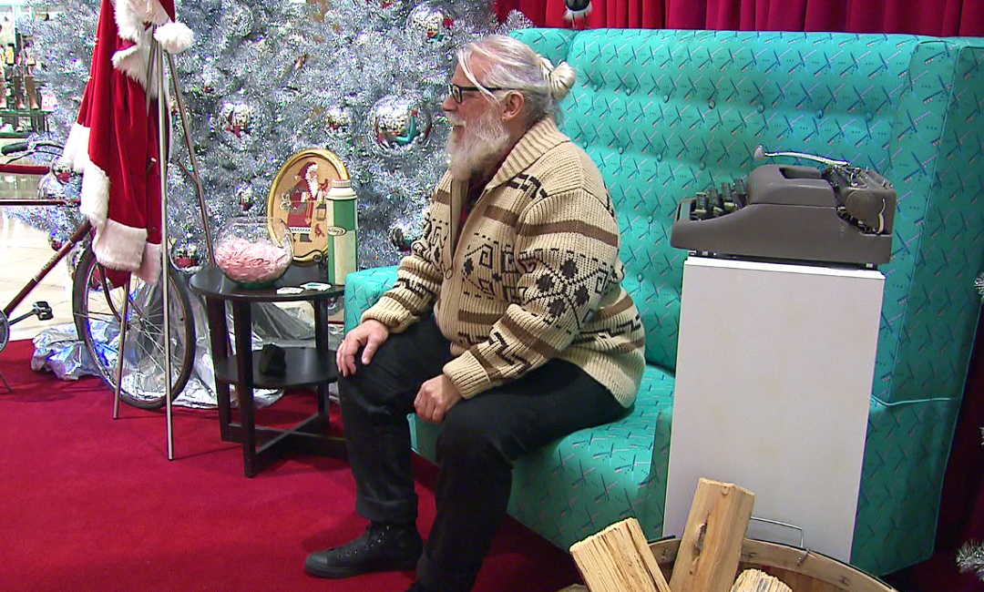 Hipster Santa says he'll be getting around town on his bike, December 2015 (KOIN)