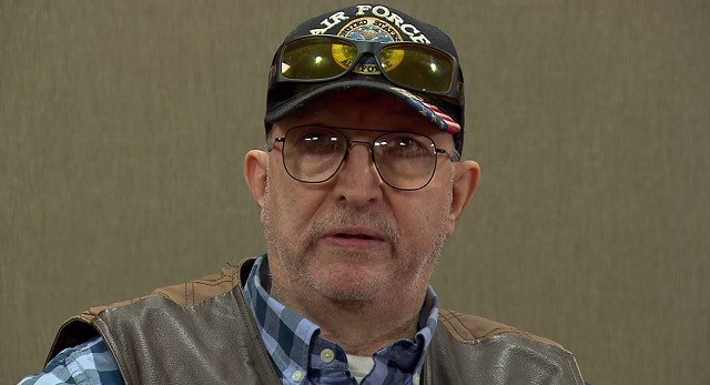 Cab driver Harry Metcalf talks about the fast action that saved him when he had a stroke, Jan. 13, 2016 (KOIN)