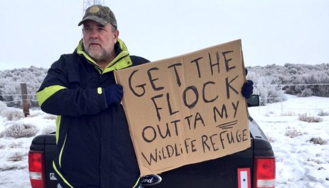 Mark Heckert of Puyallup said he studied at Oregon State and frequented the Malheur National Wildlife Refuge wants the militia out, Jan. 11, 2016 (KOIN)