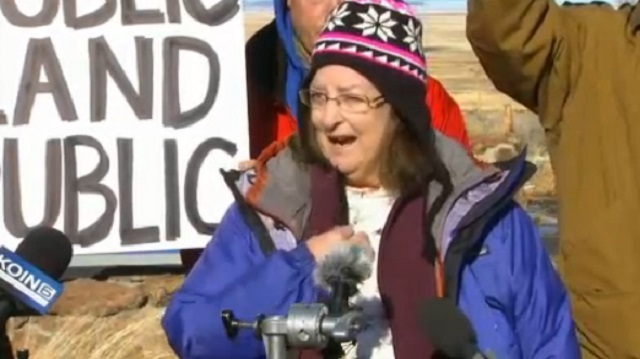 An environmental activist speaks to the media at the Malheur National Wildlife Refuge after the militia finished their briefing, Jan. 18, 2016 (KOIN)