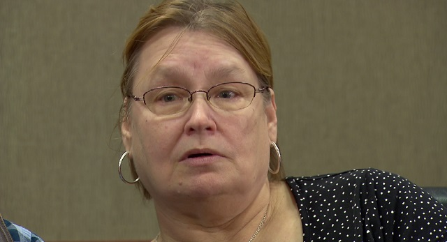 Sheila Metcalf talks about the fast action that saved her husband, Harry, when he had a stroke, Jan. 13, 2016 (KOIN)