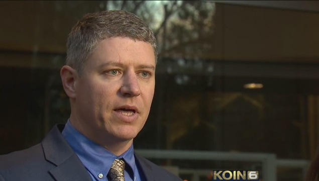Ammon Bundy's attorney Mike Arnold outside US Federal Court, Jan. 29, 2016 (KOIN)