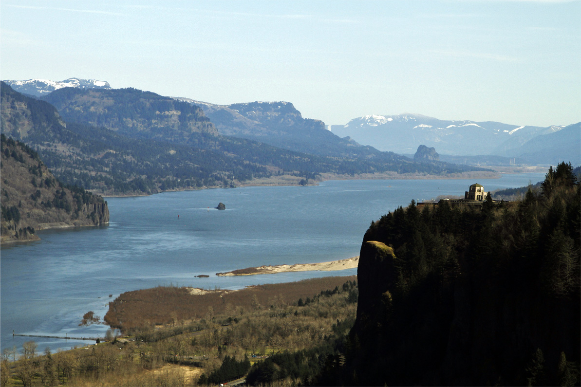 Columbia River Water_272674