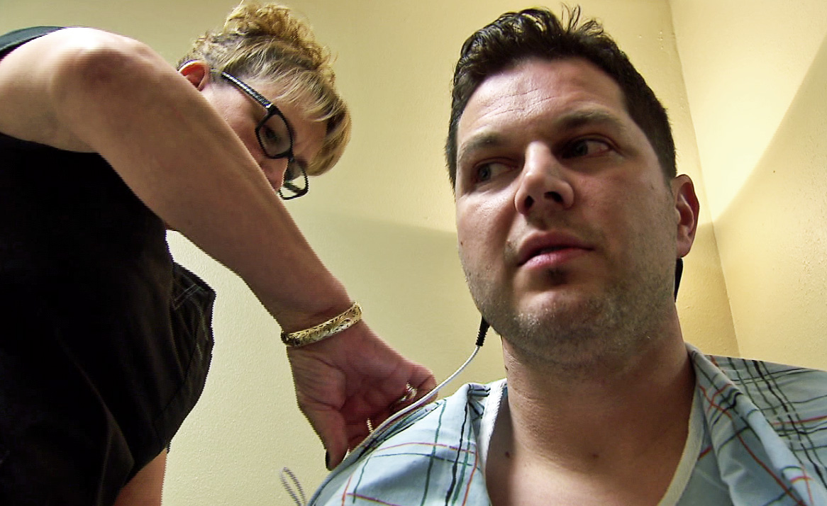 Local dentist Dr. Kyle Valentine says he's finally pain-free thanks to something called Scrambler Therapy. (KOIN)