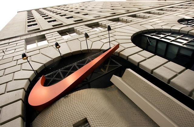 Earns Nike_295863