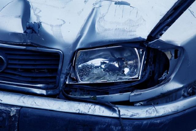 generic crashed car pdp_295940