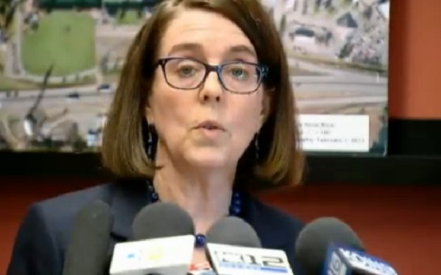 Gov. Kate Brown at a press conference regarding the oil train derailment in the Columbia River Gorge near Mosier, June 3, 2016 (KOIN)