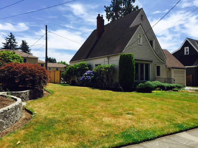 A house on Peacock Lane in Southeast Portland, July 1, 2016 (KOIN)