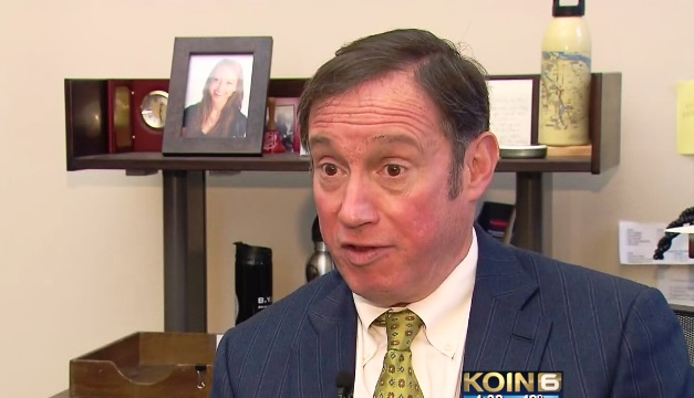 Portland City Commissioner Dan Saltzman in his office, Jan. 20, 2016 (KOIN)