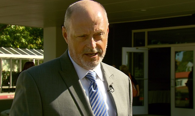 Paul MacPherson with the Department of Veterans Affairs in Vancouver, September 21, 2016 (KOIN)