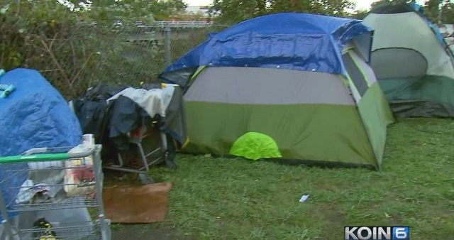 homeless-tents-johnson-creek-10172016_359487