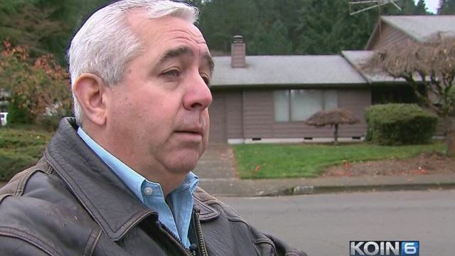 Doug Hutt of Salem says PGE hasn't fixed  problems at his house in months, November 18, 2016 (KOIN)