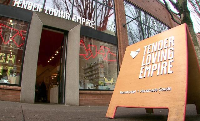 tender-loving-empire_374700