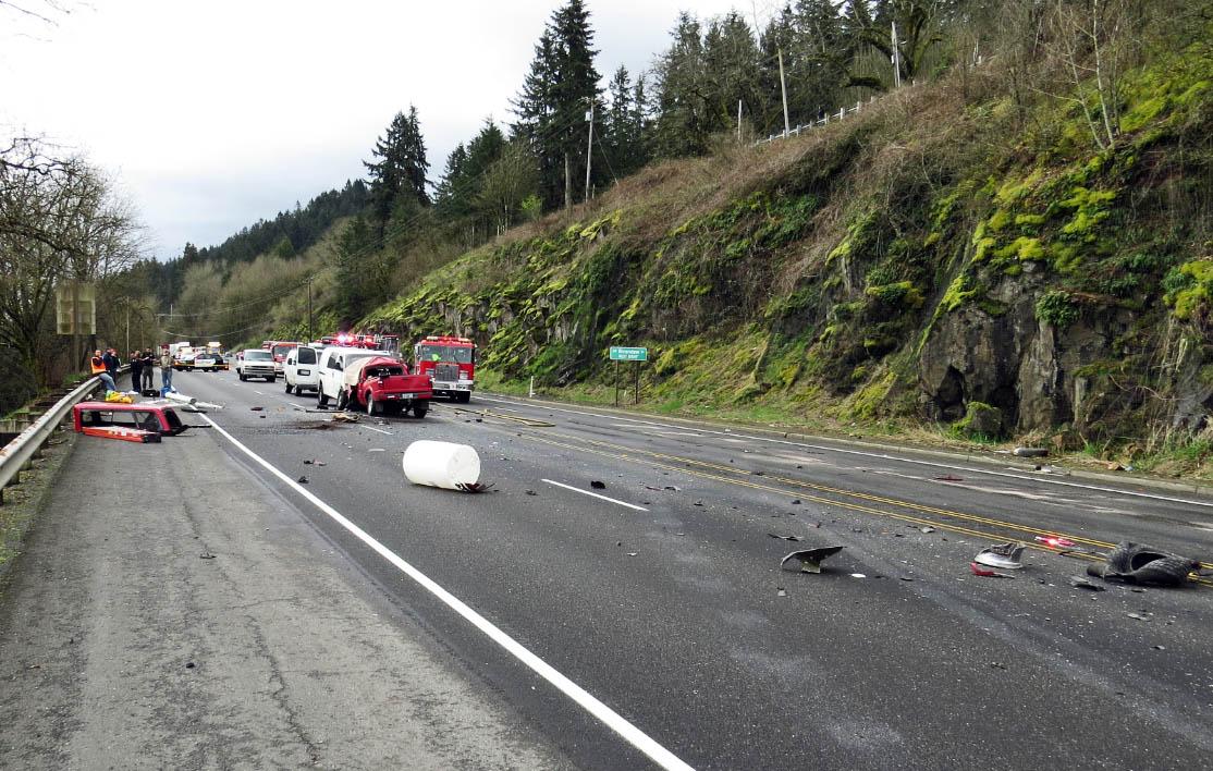 Head-on, 5-car crash kills man on Hwy 30
