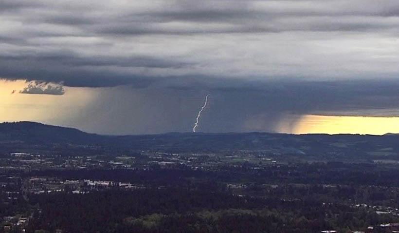 thunderstorm lightning_453991