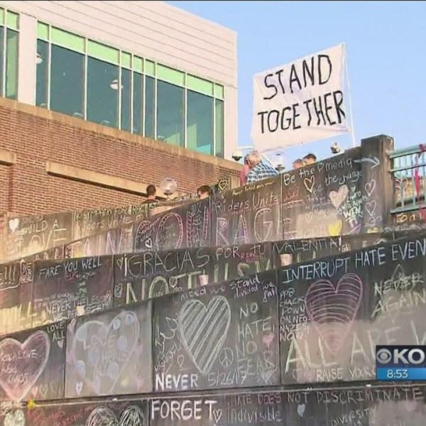 TriMet plans permanent memorial at Hollywood Transit Center