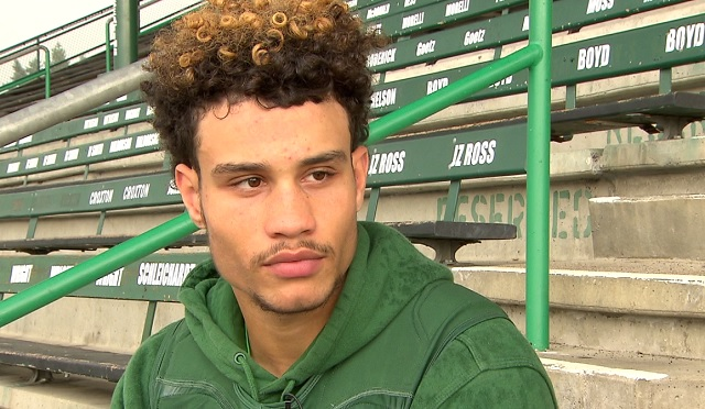 Tigard High School's Braden Lenzy will play for the Oregon Ducks next year, October 12, 2017 (KOIN)
