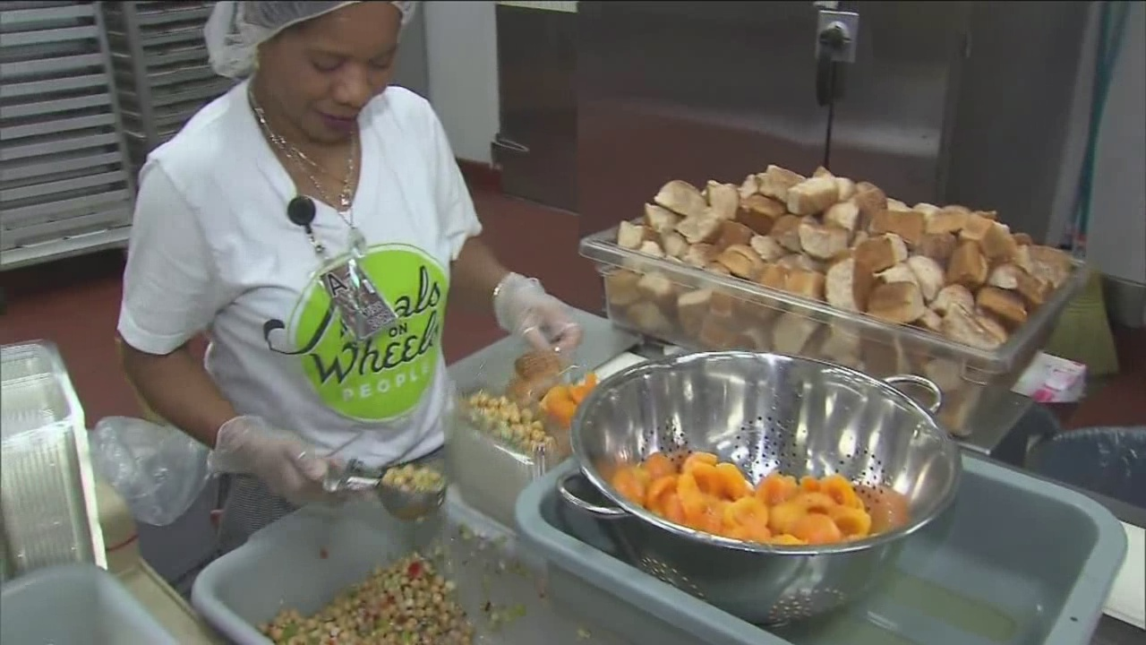 Meals on Wheels preps for Thanksgiving meals