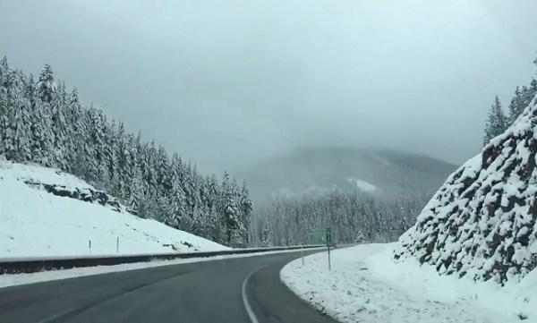 mt hood snow_553173