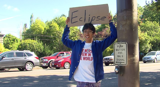 Gen, 24, from Kyoto, Japan,  arrived in Portland and is hitchhiking to Ochoco National Park for the eclipse, August 18, 2017 (KOIN)
