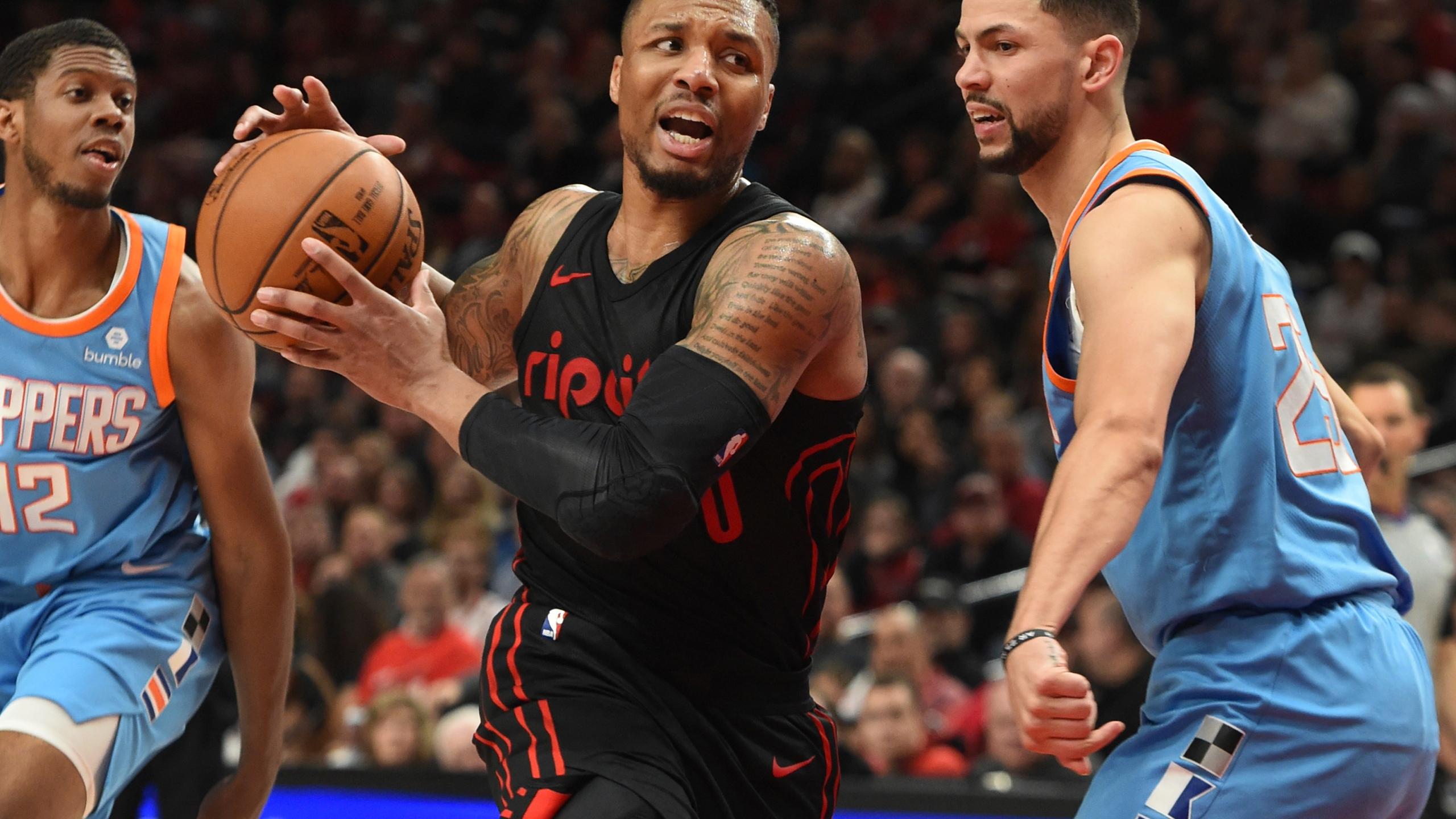 Clippers Trail Blazers Basketball_1522473660766