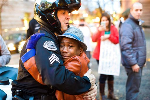 Free hugs Devonte Hart