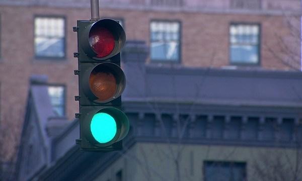 generic-traffic-light-street-light-12312014_1524572939856.jpg