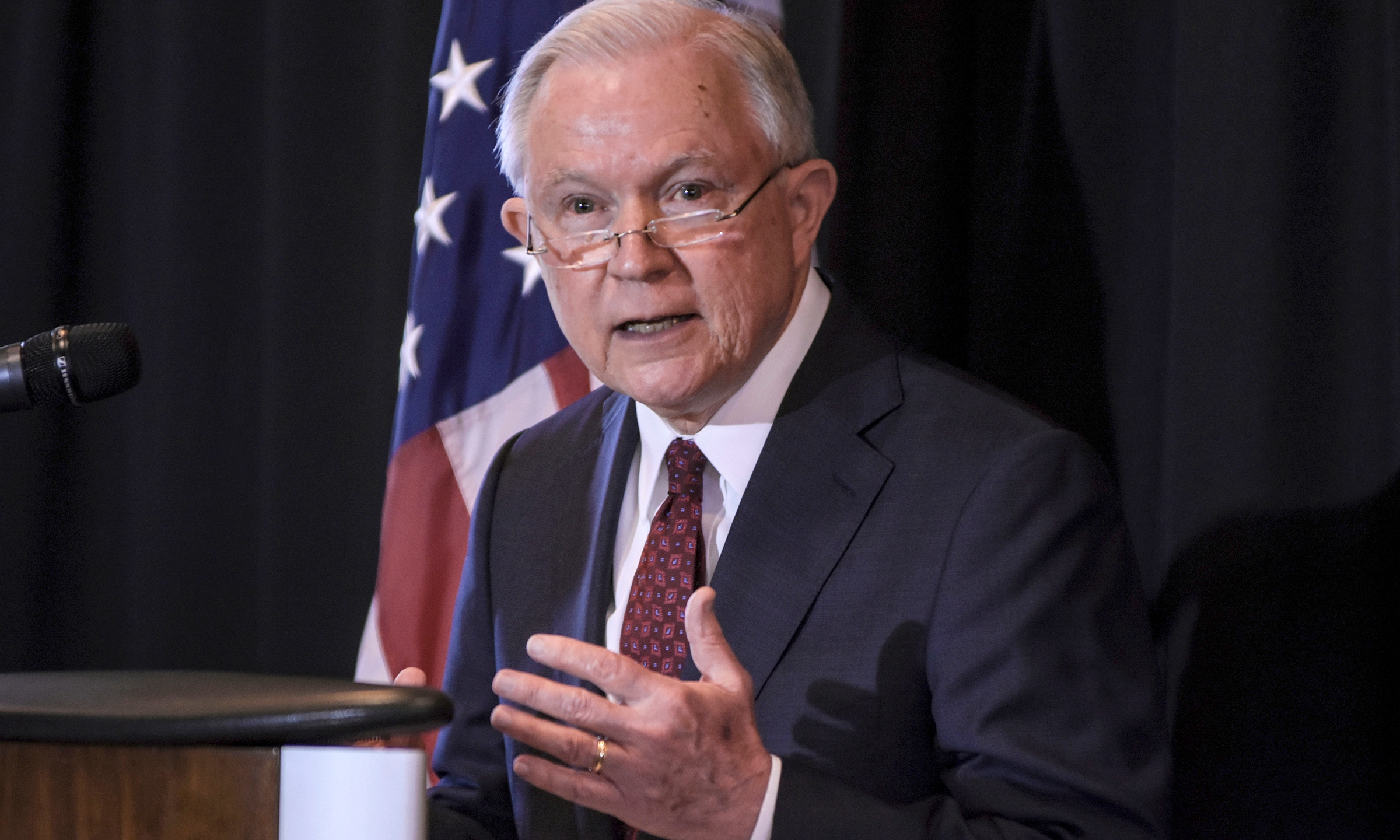 Sessions_Separating_Families_82150-159532.jpg32154270