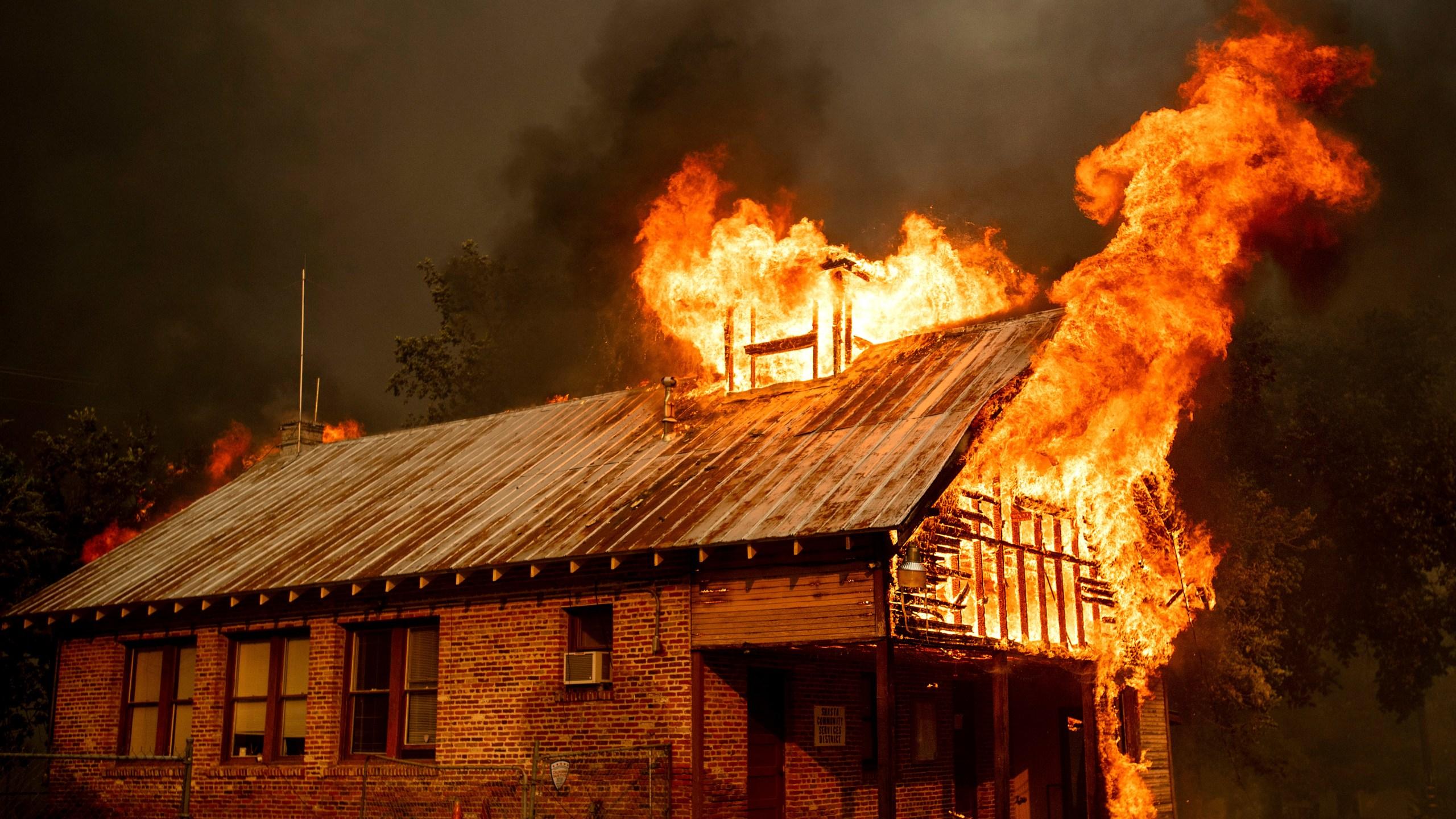 APTOPIX_California_Wildfires_82511-159532.jpg02819688
