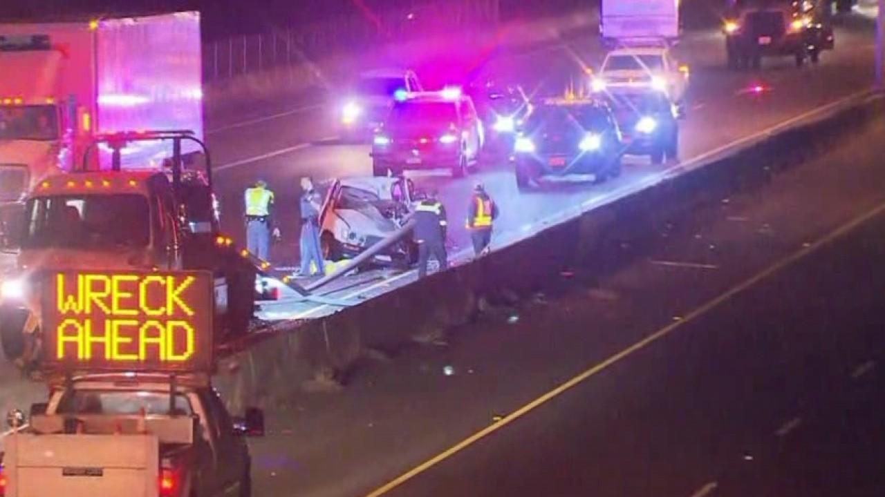 22-year-old man dies in I-5 rollover crash