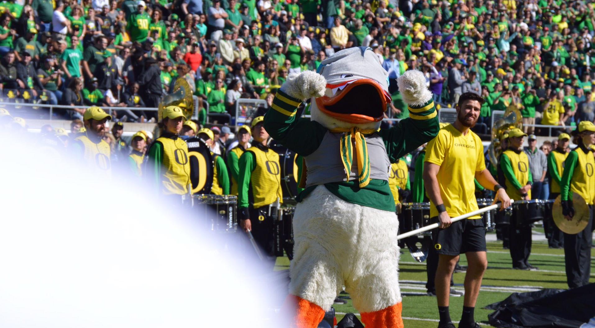 oregon ducks football mascot