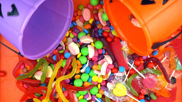 Halloween Trick Or Treat Candy Overhead Jack-o-lantern Buckets_537294