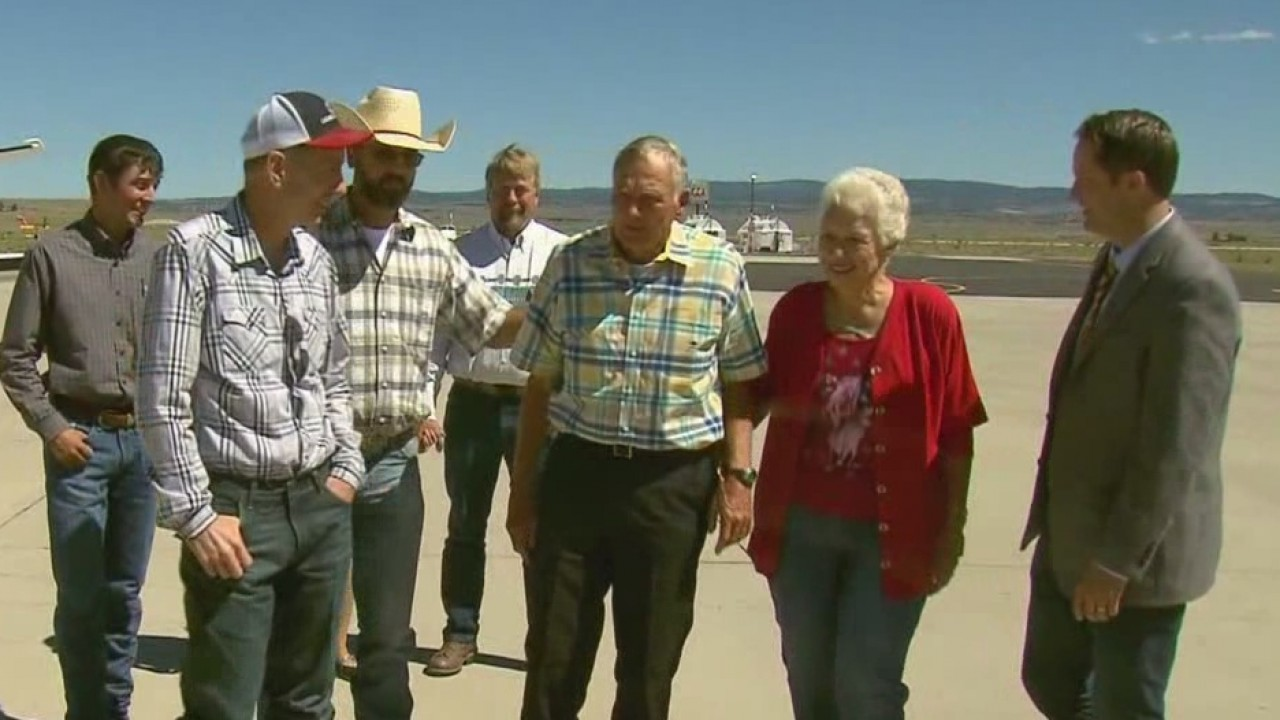 The Oregon cattle ranchers convicted of arson, but recently pardoned by President Donald Trump arrived back home in Harney County on Wednesday morning.