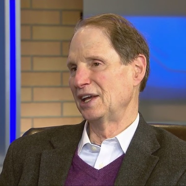 Sen. Ron Wyden talks border wall, 2020 election