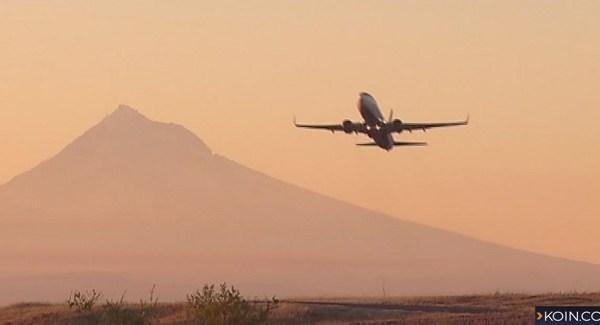 generic pdx airplane mount hood 12212018_1545423687463.jpg.jpg