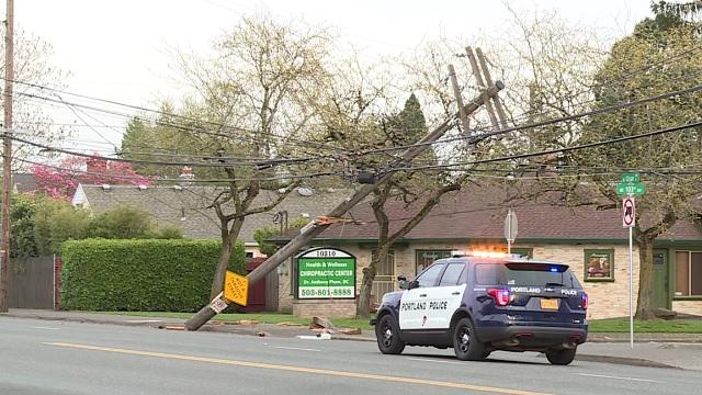 NE Glisan power pole car crash outage Pacific Power 04252019_1556249563694.jpg.jpg