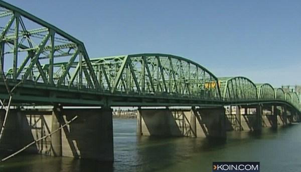 i-5 interstate bridge 04182017_445507