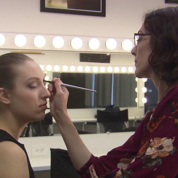 makeup artist_1554774798843.jpg.jpg
