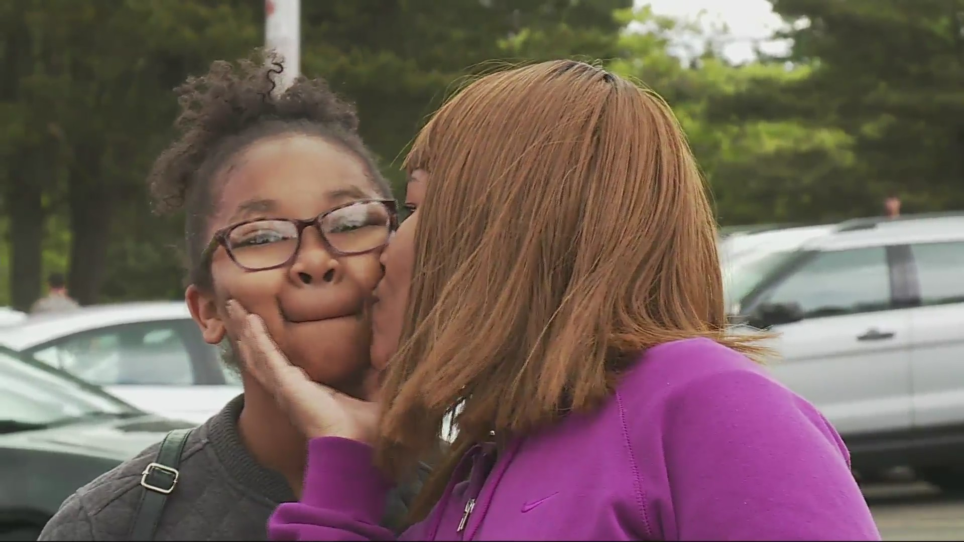 Parents pick up Parkrose High School students after gunman arrested