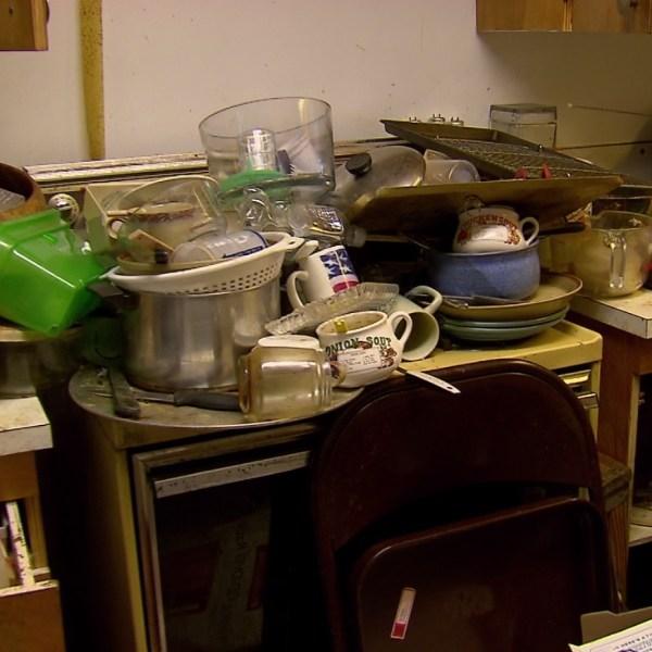 hoarders kitchen_1557200033188.jpg.jpg