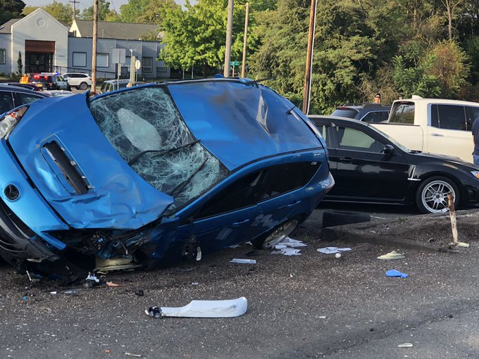 Injury in Beaverton crash, SW Canyon Road now open   KOIN com