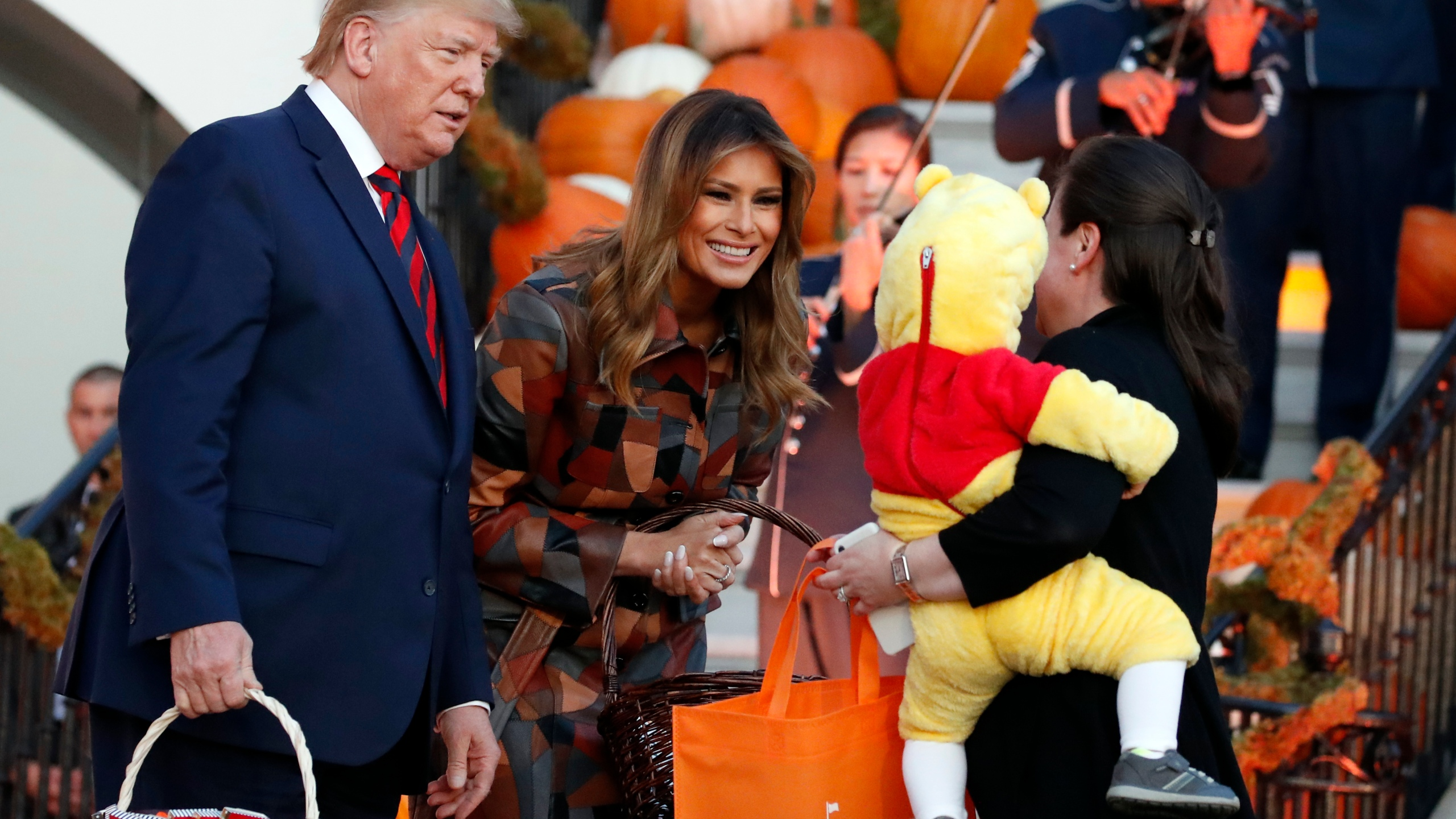 2020 White House Halloween Trumps hand out Halloween candy, greet kids at White House | KOIN.com