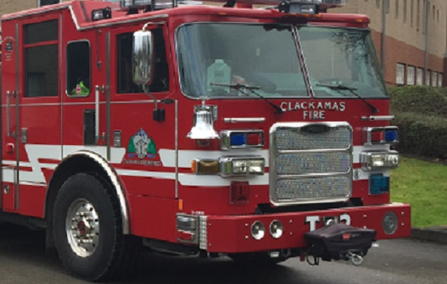 2-alarm fire breaks out at Oregon City recycling center